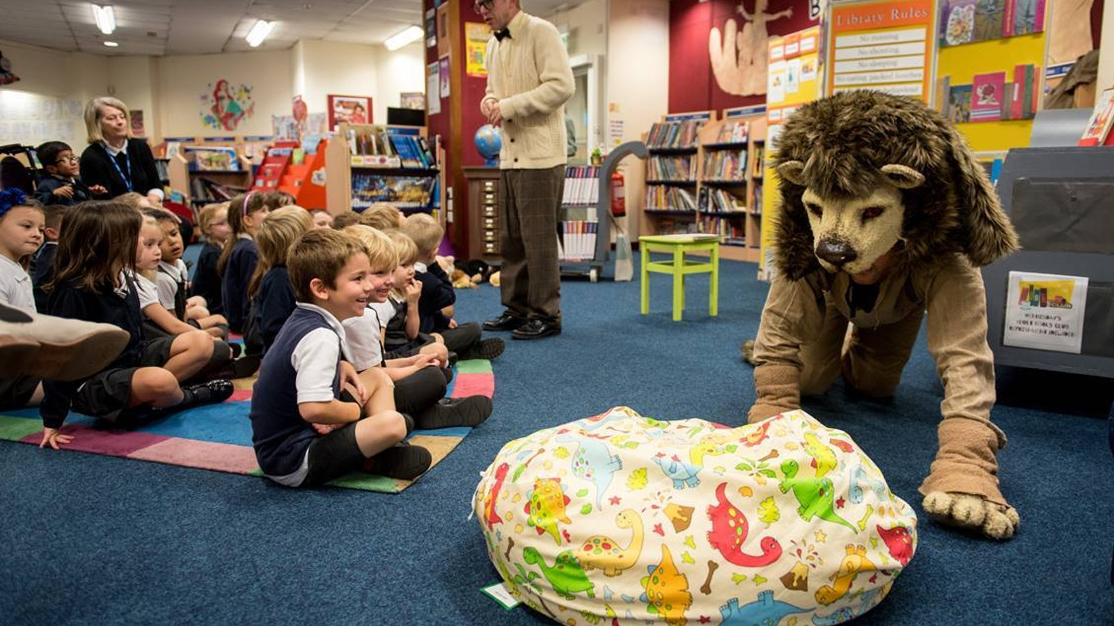 Library Lion Relaxed Performance